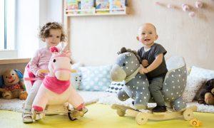 2-in-1 hobbelpaard en rijdend paard van Kinderkraft