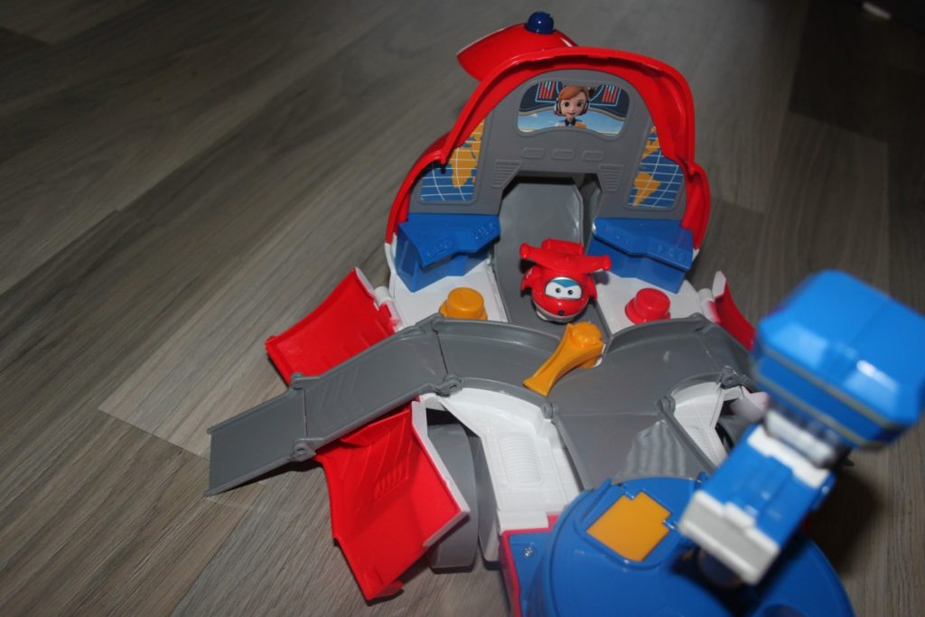 Super Wings Jett' s Take-off Tower