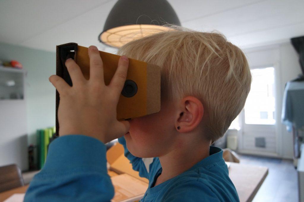 Spelen met de Nintendo Labo VR-bril