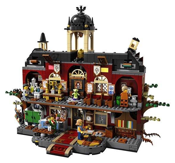 LEGO Newbury Haunted High School 8 & 9 jaar