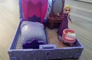 Frozen Pop Adventures - Elsa's slaapkamer