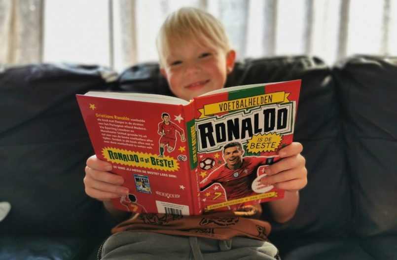 Voetbalboeken - Voetbalhelden Ronaldo & Messi
