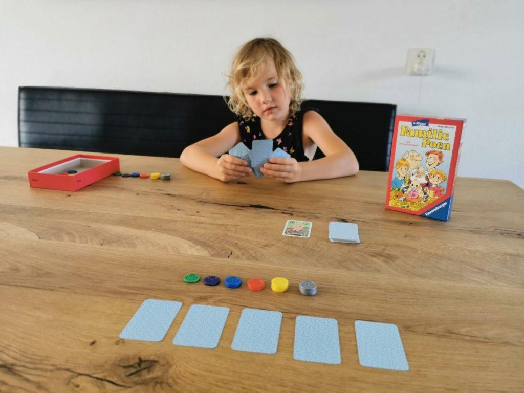 Het Familie Poen kaartspel