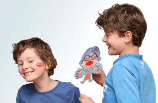 Geef Oma een kus - Identity Games