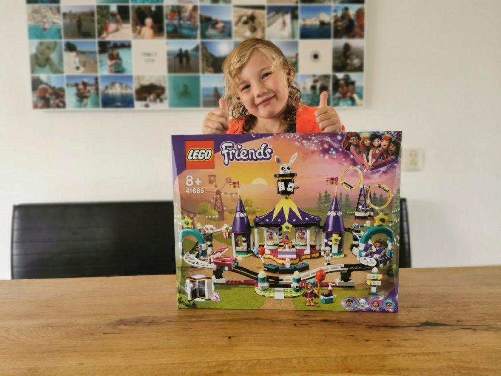 LEGO Friends Magische Kermisachtbaan (3)